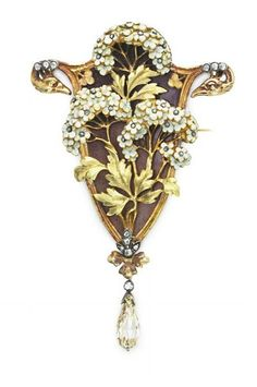 Beautiful brooch by Boucheron, gold, enamel and diamonds, ca. 1910.