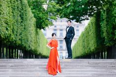 Read More: http://www.stylemepretty.com/destination-weddings/2014/07/30/romantic-parisian-engagement-session/