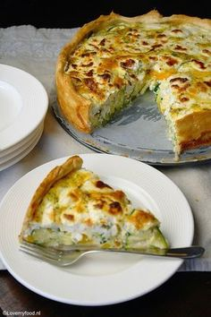 Papardelles with asparagus and hazelnuts - Healthy Food Mom Quiche Recipes, Veggie Recipes, Vegetarian Recipes, Healthy Recipes, I Love Food, Good Food, Yummy Food, Low Carb Quiche, Quiches