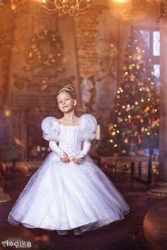 фото для номера 2 | 18 фотографий Надюша Ачкасова в платье от Ангелины Голдберг