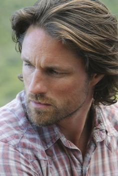 In searching for a representation of the character of Dr. Ethan Broughton for The Evangeline Heresy story pictorial, I chose this image of Martin Henderson.  The  resemblance to the character in my mind's eye is an astonishing match.