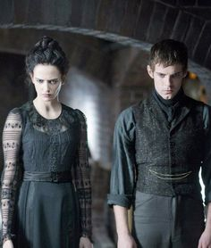 Eva Green as Vanessa Ives and Harry Treadaway as Victor Frankensteiin in 'Penny Dreadful'.