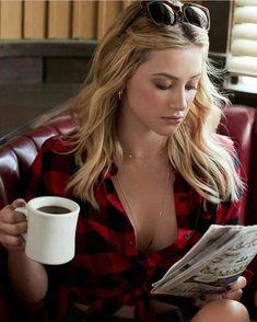 "780 Me gusta, 2 comentarios - Lili Pauline Reinhart ❤️ (@lilireinhart330) en Instagram: ""Goodnight ❤️ - - - - - - - - - - - - - - - - - - - - - - - - - - - - - - - - - - - #riverdale…"""