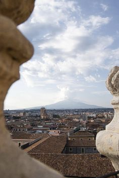 Sicily has some of the most stunning towns in all of Italy. Here's a list of the top ones to see and useful tips for making your trip amazing! Italy Trip, Italy Travel, Sparkling Waters, Best Location, Beautiful Islands, Sicily, Paris Skyline, Road Trip, Explore