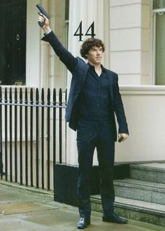 """""""Calling"""" the police. #Sherlock // because gun shots are the most effective method according to him haha"""