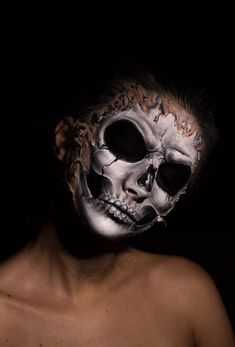 17 pics Of WTF Makeup Skills That'll Make You Do A Double Take - Memebase - Funny Memes Skull Makeup, Double Take, Halloween Face Makeup, Funny Memes, Faces, Make It Yourself, The Face, Hilarious Memes, Face