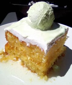Greek Sweets, Greek Desserts, Greek Recipes, Cookbook Recipes, Cake Recipes, Dessert Recipes, Sweets Cake, Cupcake Cakes, Greek Cake
