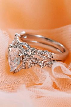 How Are Vintage Engagement Rings Not The Same As Modern Rings? If you're deciding from a vintage or modern diamond engagement ring, there's a great deal to consider. Gothic Wedding Rings, Beautiful Wedding Rings, Wedding Rings Vintage, Wedding Jewelry, Dream Wedding, Bridal Jewellery, Bridal Rings, Trendy Wedding, Luxury Wedding