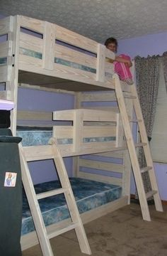 diy bunk bed | Triple Bunk Bed- I think this one also could be gender ... | DIY…