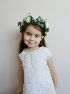 White Eucalyptus Flower crown,Peony crown,Floral crown,Wedding flower crown,Flower girl crown,Bridal flower crown,Bridesmaid crown,White Eucalyptus boutonniere  DETAILS: FLOWER CROWN > decorated with fabric flowers,artificial berries and leaves >Length of wreath is 18.9 inches