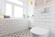 design: BROWWAR NIERUCHOMOŚCI - https://web.facebook.com/BiuroBrowwar/ #OfertaDnia #OfferOfTheDay #OurOffer #WeRecommend #RealEstate #ForSale #Flat #Apartment #threerooms #readytomove #tenement #modern #renovated #Poznań #Jeżyce #NaszaAranżacja #browwarnieruchomosci #BrowwarNieruchomości #Polecamy #interiordesign #designer #homedecor #homedesign #kitchen #loggia #view #bathroom #designlovers #roominspiration #inspirations