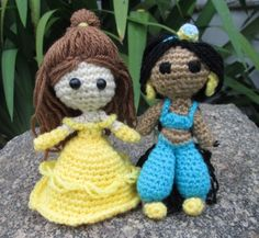 Princess Belle from Beauty and the Beast -Free Amigurumi Pattern I'm definitely making my little princess all of the disney princesses! Crochet For Kids, Crochet Crafts, Crochet Dolls, Crochet Yarn, Yarn Crafts, Crochet Projects, Free Crochet, Amigurumi Doll, Amigurumi Patterns