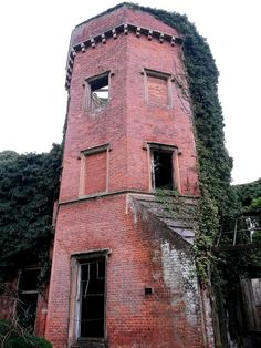 So I'm down in Suffolk with work. I've planned it so I can over-night near Rougham and take an early morning pre-work walk in the woods to the ruined Abandoned Mansions, Abandoned Buildings, Abandoned Places, Derelict House, Suffolk England, Country Houses, Walk In The Woods, Still Standing, Haunted Places