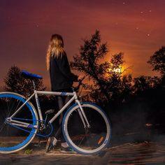 ночь, полная луна, Псёл и 25 км от дома ) #ебеня #ночь #вело #луна #звезды #bike #bicycle #singlespeed #fixed #fixie #landscape #nature #river #psel #Ukraine #dramatic #sky #light #nightlight #travel #adventure #tree #star #stars #moon #moonlight #uacycle #uacyclegram #wbt_k
