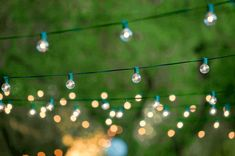 Some Of The Best DIY Outdoor Lighting Ideas That You Can Try The exterior of your house should also have proper and good lighting as your interior have. Here are some diy outdoor lighting ideas for you to decorate your outdoor space. Patio String Lights, Globe String Lights, Hanging Lights, String Lighting, Solar Lights, Light String, Lights For Patio, Summer Lights, Bulb Lights