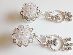"""Bridal Plugs, 00g Dangle Plugs, 1/2"""" Crystal Flower Plugs, Chandelier Dangles with Rhinestones 9/16"""" Wedding Gauged Earrings"""