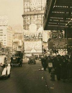 New York City's street scene, 1934 via Vintage Everyday