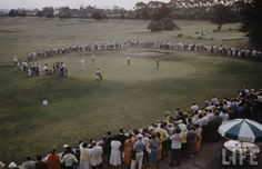 Golf Club. Fotógrafo: Dmitri Kessel. Archivo: Life Magazine 1958. #MardelPlata #MDQ #LifeMagazine