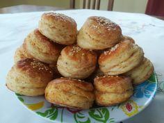 Škvarkové pagáče (fotorecept) - recept   Varecha.sk Pretzel Bites, Bread, Food, Basket, Brot, Essen, Baking, Meals, Breads