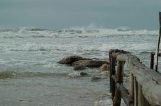 Donnalucata, vicino Scicli: il mare d'inverno.