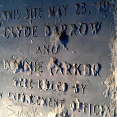 Visiting the historical marker near Gibsland, Louisiana on the spot where gangsters Bonnie and Clyde came to the end of their road. Bonnie Parker, Bonnie Clyde, Peaceful Life, Gangsters, Newspaper, Marker, American History, The Past, Death