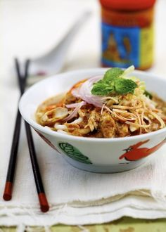 Sweet and sour and spicy gel together to make asam laksa a real winner ...