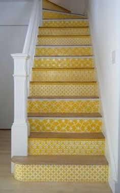 If I ever live in a two story house again, I'm doing this in greens! Love it!