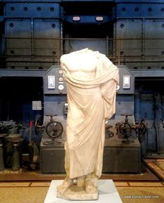 Centrale Montemartini Museum Rome Ostiense industrial archaeology classical art >> Read my post here: http://www.blocal-travel.com/2015/03/centrale-montemartini-museum-where.html