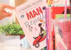 Man Repeller Medine, Leandra