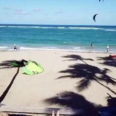 Wonder what Christmas in Cabarete looks like? Here it is and it's pretty epic! Check out this awesome video from @oronkessel enjoying the festive holidays! 🎄🎅🏽🎁