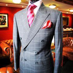 Double breasted suit for DH #zinkandsons #bespoke #tailor cloth by #huddersfieldfineworsted #blenheimvi super 150s #sydneytailor #tailorsydney #handmade #dapper #savilerow #greycheck #sydneyfashion #mensstyle #mensfashion #sydney  (at Zink & Sons bespoke Tailoring)