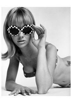 Cay Sanderson, for McCann Erickson, 1968 Photo William Helburn Swinging London, 60s And 70s Fashion, Vintage Fashion, Shady Lady, Fashion Advertising, Fashion History, Fashion Art, Vintage Ladies, Fashion Photography