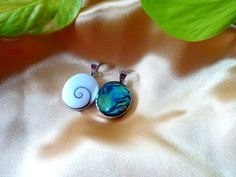 PS39 OVAL White Shiva Shell 2Sided Abalone by MrsShellsandSilver, $19.00