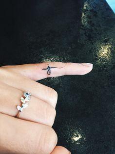 e9ba58b09 letter j finger tattoo - Google Search | Tatoo For Him | Finger ...