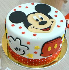 Image via Mickey Mouse Birthday Cakes and cupcakes Image via Disney Halloween Wedding Cakes to Sink Your Teeth Into Image via Mickey Mouse cake Image via Minnie and Mickey Minni Mouse Cake, Bolo Do Mickey Mouse, Mickey And Minnie Cake, Mickey Mouse Birthday Cake, Fiesta Mickey Mouse, Mickey Cakes, Minnie Mouse, Birthday Cakes, Happy Birthday