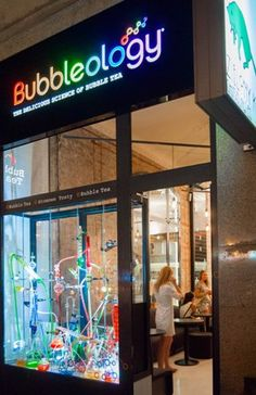 Bubbleology - bubble teas house in Warsaw Bubble Tea Shop, Fusion Art, Milk Tea, Tea Recipes, Warsaw, Summer Drinks, Teas, Afternoon Tea, Showroom