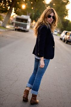 How to wear a short cowboy boot!