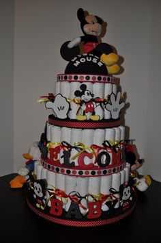 Mickey red and black diaper bag cake Baby Shower Diapers, Baby Shower Cakes, Baby Shower Parties, Baby Shower Themes, Shower Ideas, Shower Party, Mickey Mouse Baby Shower, Baby Mickey, Baby Mouse
