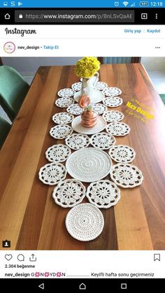 Good evening to all yapt runner s lounge team made the console the middle – ArtofitStudy in circles crochet motif table runner pattern – Artofit Diy Crafts Crochet, Crochet Home, Crochet Projects, Diy Crochet Tablecloth, Crochet Table Runner, Crochet Circles, Crochet Round, Crochet Motif Patterns, Crochet Designs