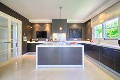 Cosy and elegant villa on Marbella Golden Mile - Altos Reales