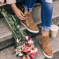 Leather Wedges, Suede Leather, Best Shoes For Men, Fashion Today, Pink Shoes, Fashion Shoes, Heels, Sneakers, Label