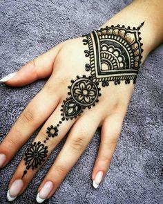 Henna Hand Tattoos Water Looking . Henna Hand Tattoos Water Looking . Henna Tattoos Artist Galway Design for the Hand Henna Tattoo Hand, Henna Tattoos, Henna Tattoo Muster, Et Tattoo, Mandala Tattoo, Paisley Tattoos, Tattoo Finger, Henna Mandala, Easy Hand Henna