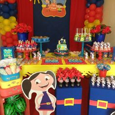 Show da Luna para Yasmim  #temashowdaluna Birthday Candles, Birthday Cake, Gigi 2, Alice, Kids, Instagram, Table Party, Ideas Aniversario, Themed Parties
