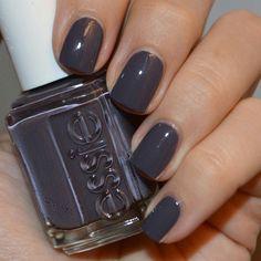Essie Winning Streak dark purple with a greyish tone Essie Nail Colors, Nagellack Trends, Vernis Semi Permanent, Garra, Purple Nails, Stylish Nails, Winter Nails, Gel Nails For Fall, Perfect Nails