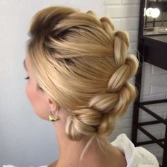 11 so perfekte lockige Frisuren für lange Haare Ideen, You can collect images you discovered organize them, add your own ideas to your collections and share with other people. Pigtail Hairstyles, Braided Hairstyles, Hairstyle Braid, Hairstyles Videos, Hairstyle Men, Pretty Hairstyles, Trending Hairstyles, Balayage Hair, Hair Dos