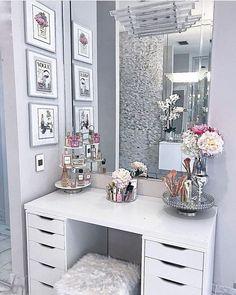 30 Beautiful Glam Room Ideas - The Wonder Cottage - Stephanie Kimberly - 30 Beautiful Glam Room Ideas - The Wonder Cottage 30 Beautiful Glam Room Ideas - Glam Bedroom, Room Ideas Bedroom, Stylish Bedroom, Bedroom Interiors, 1920s Bedroom, Glam Living Room, Bedroom Romantic, Diy Bedroom, Living Rooms