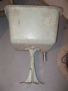 Vintage Deep Cast Iron Porcelain Pedestal Utility Sink  #unknown