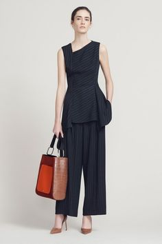 See the complete Jason Wu Pre-Fall 2017 collection.
