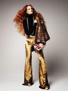 gold pants magic from http://cosmic-dust.tumblr.com/