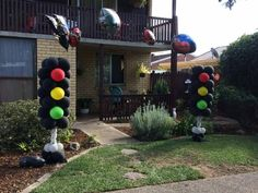 Balloon traffic light columns string of pearl arch great for blaze and the monster machines or cars lightning McQueen theme party